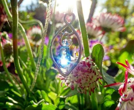 Srebrny naszyjnik z kryształkiem swarovskiego