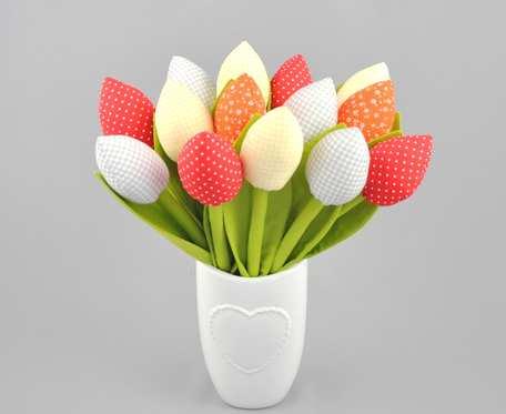 Tulipany bawełniane, szyte z materiału