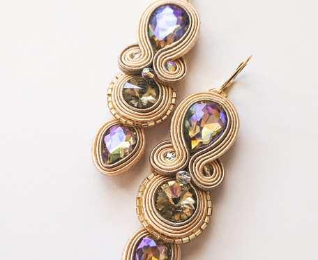 Kremowe kolczyki z kryształkami