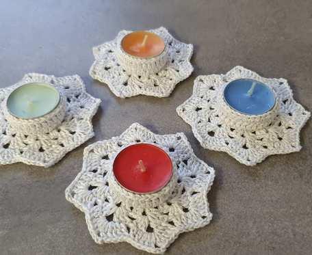 Migotliwy komplet świeczników białych