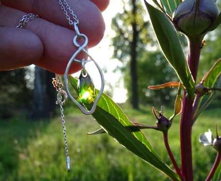 Srebrny naszyjnik z kryształkiem swarovskiego_v4