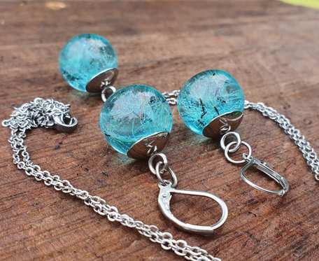 Komplet błękitnej biżuterii z żywicy z dmuchawcami