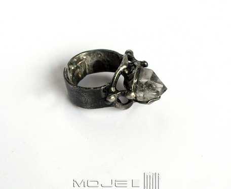 Kryształ w natarciu - pierścionek