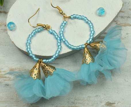 Kolczyki kółka z kwiatuszkami - błękitne