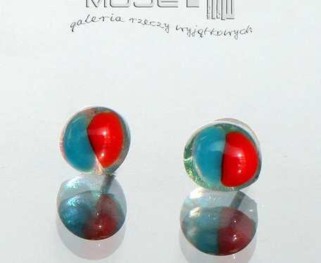 Drobinki niebiesko-czerwone - kolczyki szklane, sztyfty