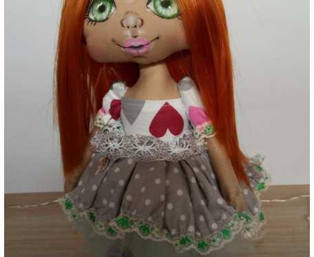 Lalka z zielonymi oczkami