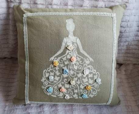 Poszewka na poduszkę z damą