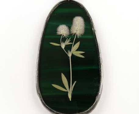 Szklany medalion z kwiatami koniczyny (zielony)