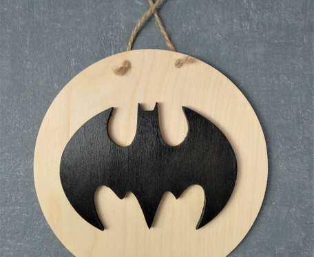 Drewniana zawieszka Batman