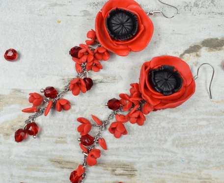 Długie, eleganckie kolczyki czerwone maki