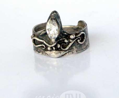 Srebro z fialą - pierścionek