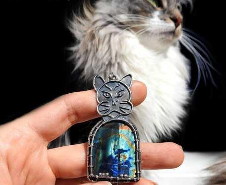 Wisiorek srebrny Kot egipski spektrolit