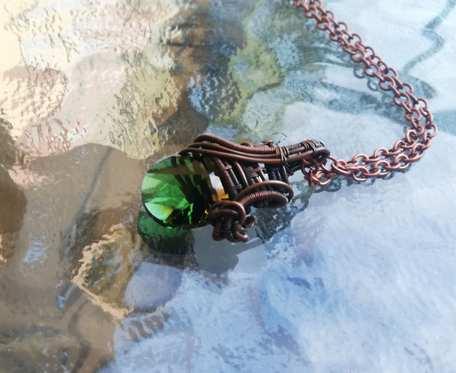 Naszyjnik miedziany z kryształkiem swarovskiego