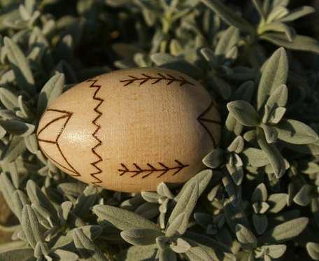 drewniane jajo