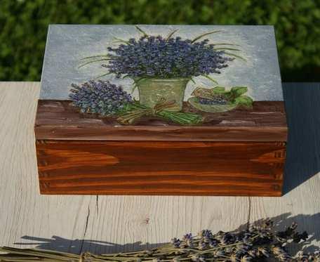 drewniana herbaciarka/pudełko na biżuterię