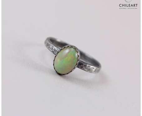 Opal z Etiopii i srebro - pierścionek 2888