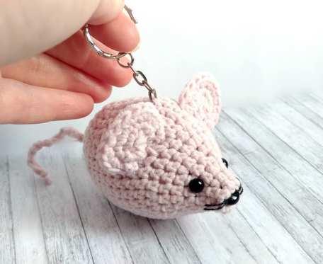 Różowa myszka breloczek