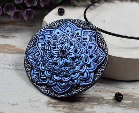 Duży wisiorek Mandala w odcieniach błękitu, niebieskiego