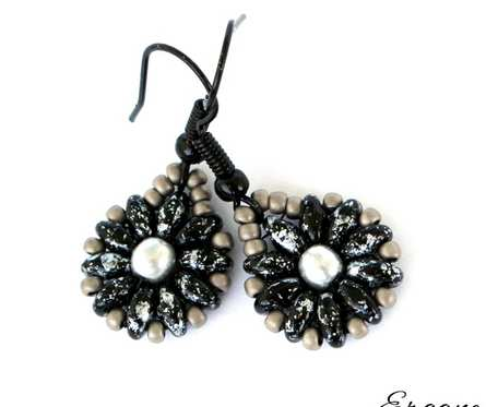 Kolczyki czarno-srebrzyste kwiatki
