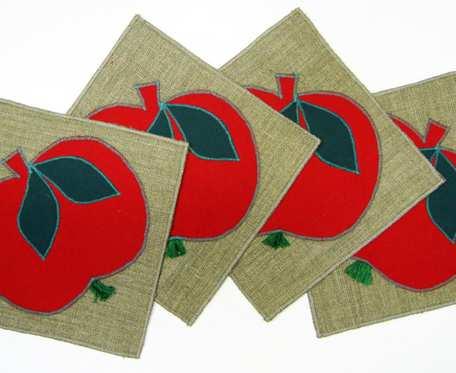 Podkładki pod filiżanki - czerwone jabłuszka