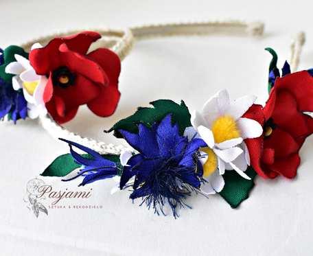 Opaska i bransoletka z kwiatów