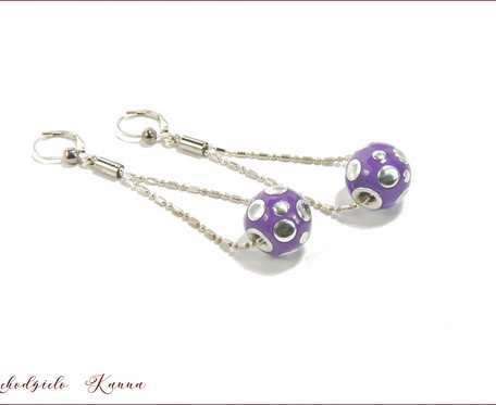 Kolczyki  z  fioletowymi  kulami