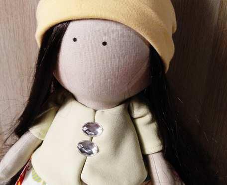 Lalka Tilda z kokardą