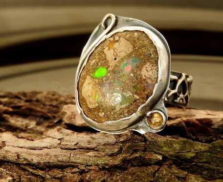 Pierścionek srebrny z opalem z Etiopii