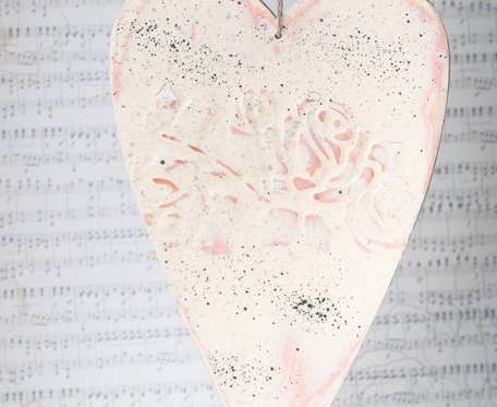 Zawieszka serce w stylu shabby chic różowa podłużna - dekoracja walentynkowa i nie tylko