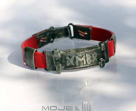 Runiczny amulet miłości na czerwono - bransoletka