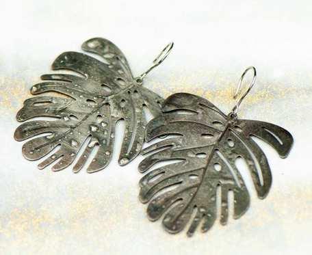 Nowoczesne kolczyki w kształcie liścia c677-sc