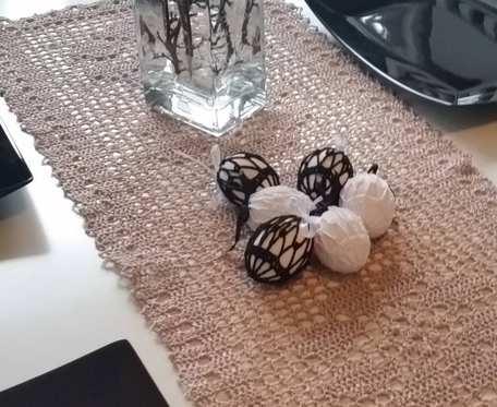 Biało - czarne koszulki na jajka