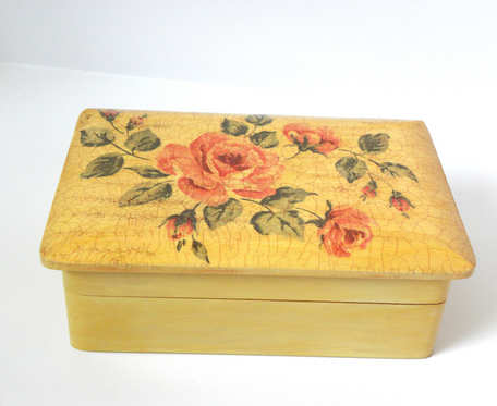RÓŻE VINTAGE - szkatułka z lusterkiem