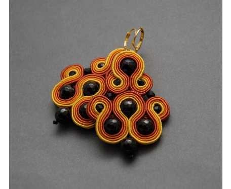 pomarańczowo-czarne kolczyki lub klipsy sutasz z onyksami